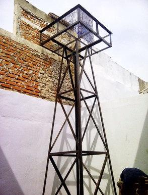Menara toren air, tiang display tangki air